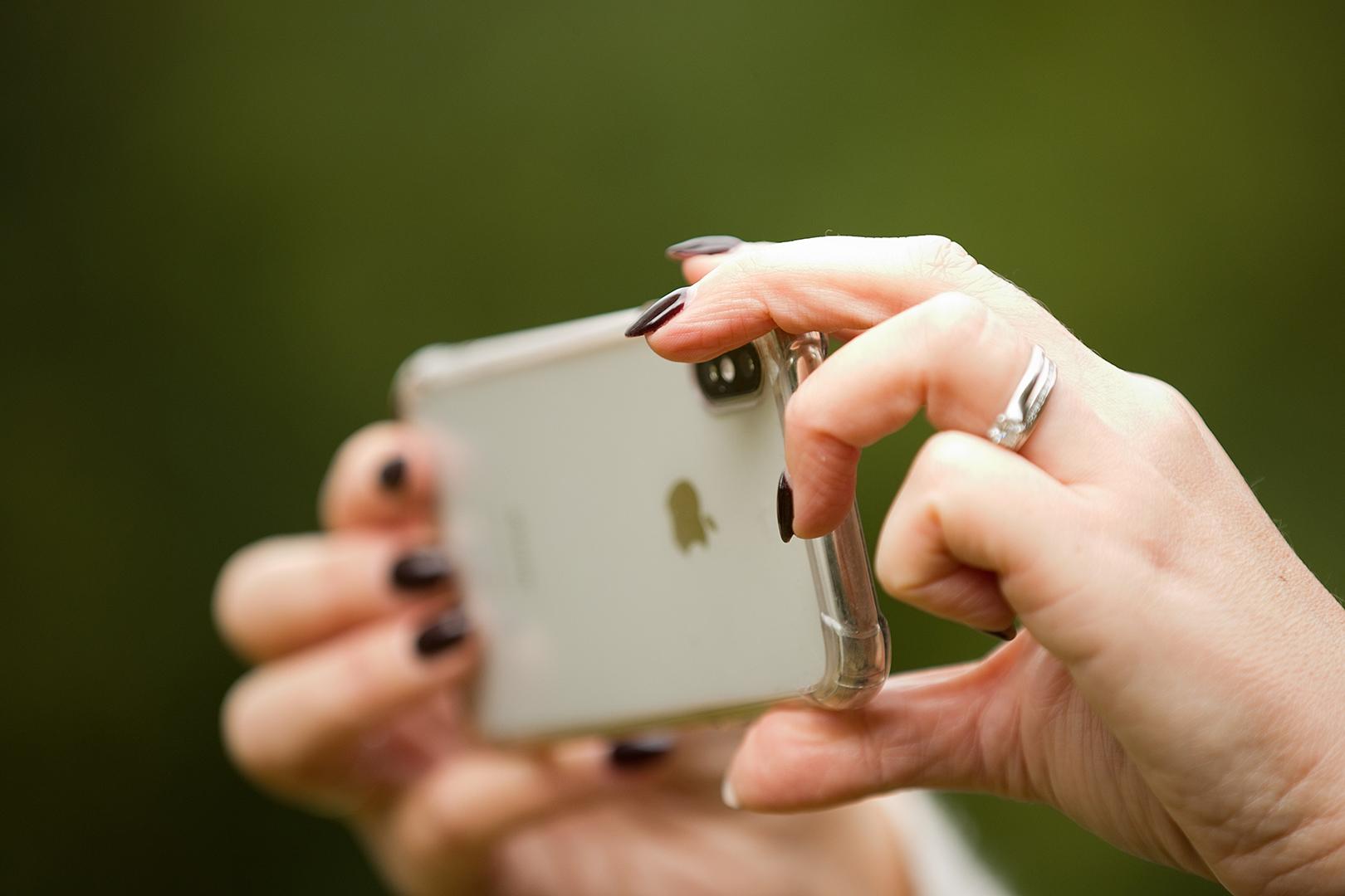Phone vs. DSLR